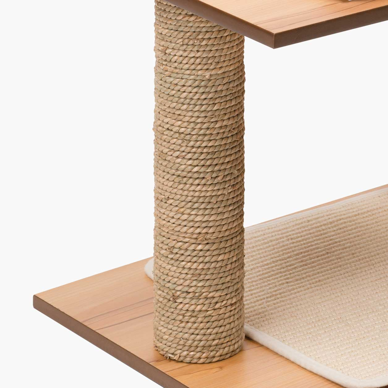 Close-up of the seagrass scratching post of the Vesper Stool