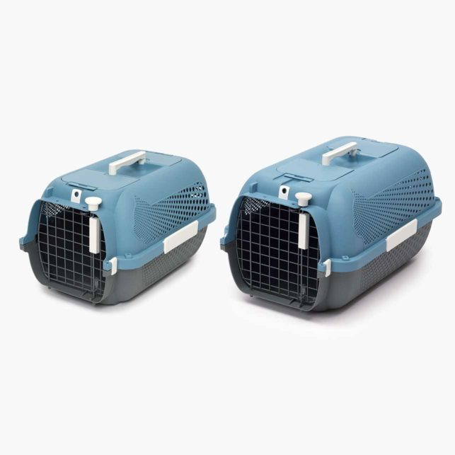 Catit Cat Carrier is available in 2 sizes
